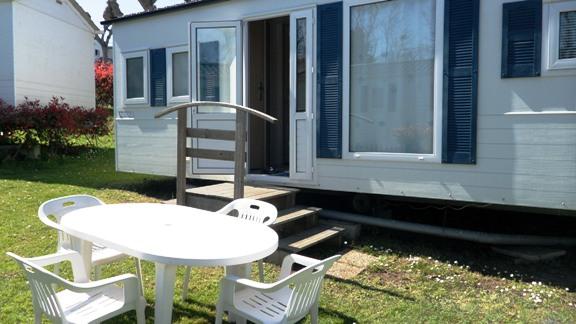 http://www.campingmaya-stjeandeluz.fr/site/wp-content/uploads/vue-exterieure-mobil-home.jpg